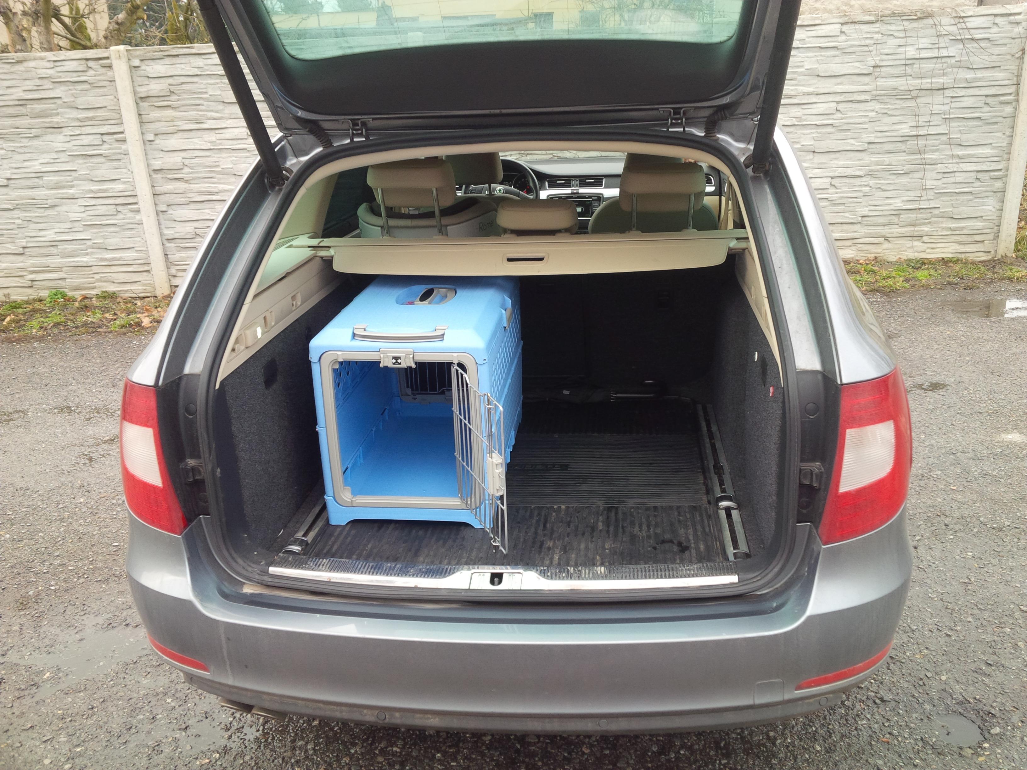 Skládací přepravka pro transport psa vhodná i do auta